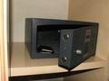 Бронирование гостиницы с услугой хранения вещей в сейфе